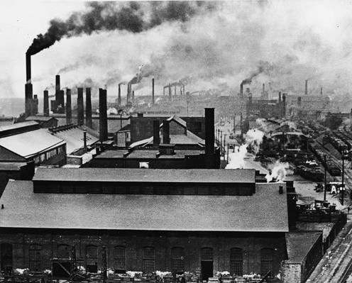 American factory at the turn of the 20th century.
